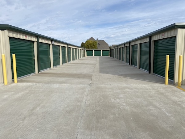 storage units alley way